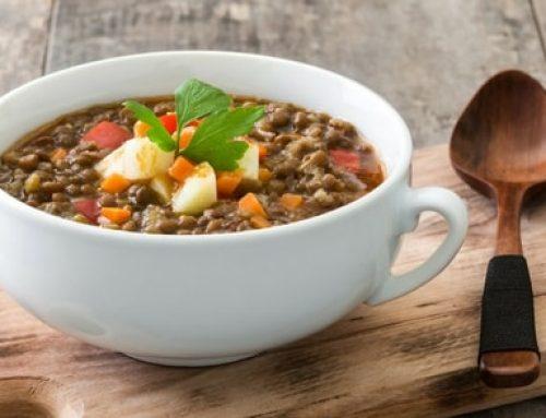 Snel lunch recept: Griekse linzensoep